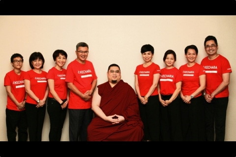 Li Kim with H.E. Tsem Rinpoche (Kechara Soup Kitchen) 1